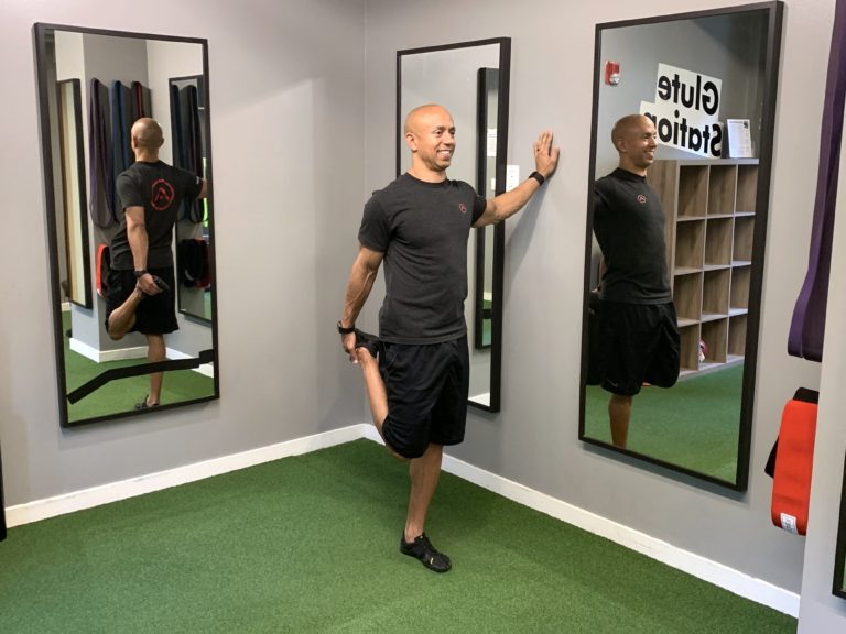 Adam-Friedman-Advanced-Athletics-Fitness-Expert-Quad-Stretch-Search-And-Rescue-Mobility